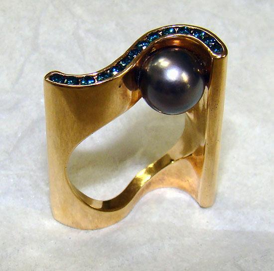 Tahitian Pearl, Blue Diamonds in Rose-Award Winner Ring #111