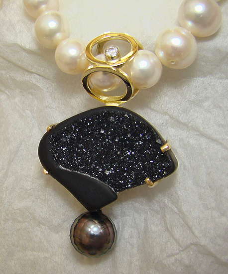Award Winner 2012 - Pendant with Drusy Tahitian Pearl