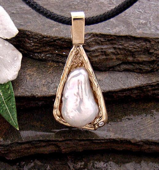 Fresh Water Pearl  Pendant #137