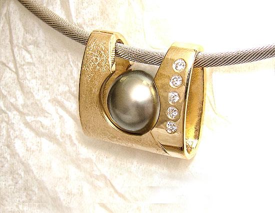 Pearl Pendant Slide #145