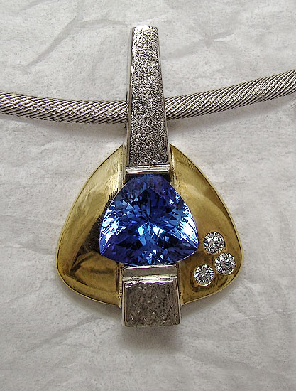 Tanzanite Two-Tone Pendant #159