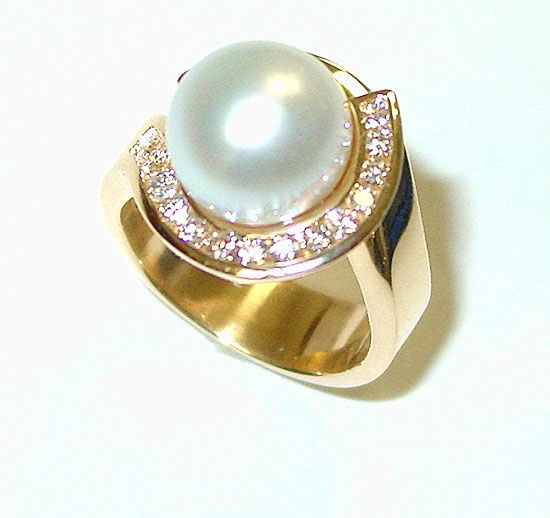 South Sea White Pearl and Diamond Ring #254